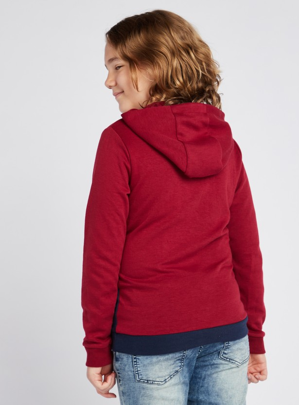 Typographic Print Colour Blocked Sweatshirt with Long Sleeves and Hood
