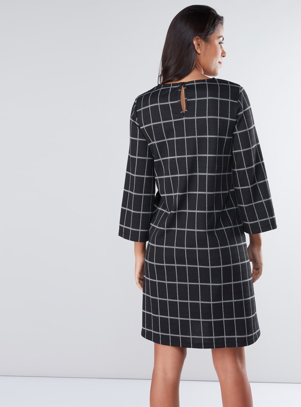 Chequered Midi Dress with Round Neck and 3/4 Sleeves
