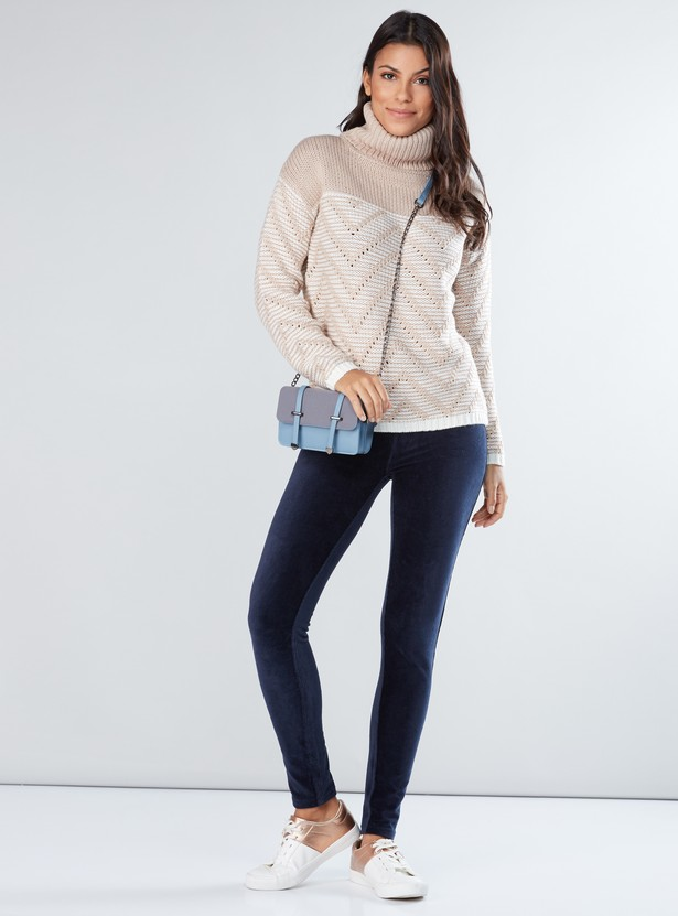 Textured Turtle Neck Sweater with Long Sleeves