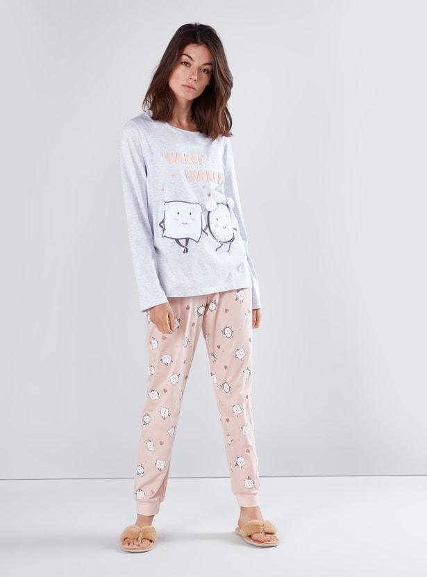 Applique Detail T-shirt with Printed Jog Pants