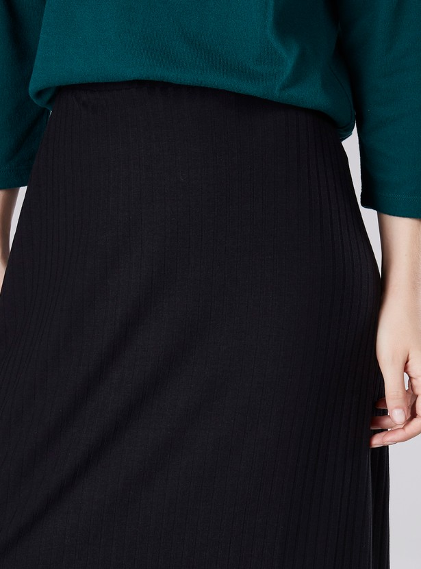 Ribbed Detail A-line Maxi Skirt