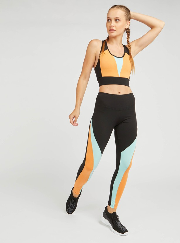 صدرية رياضية بتصميم قوالب ملوّنة و ظهر ريسر