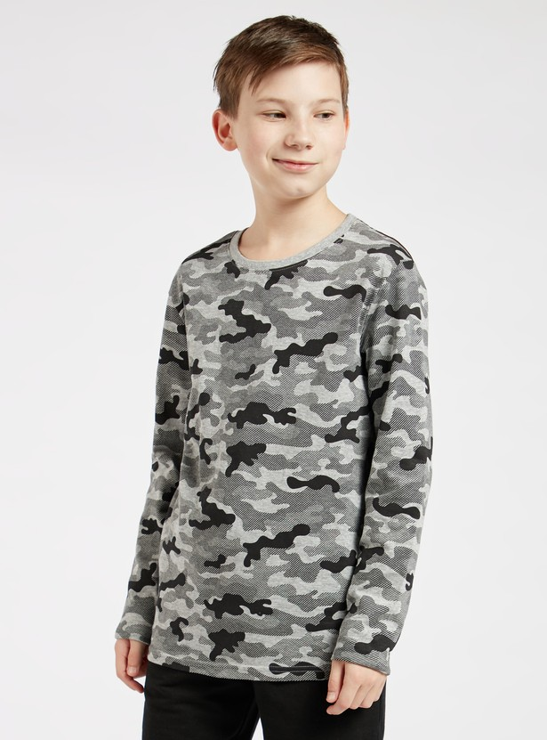 Camouflage Print T-shirt with Round Neck and Long Sleeves