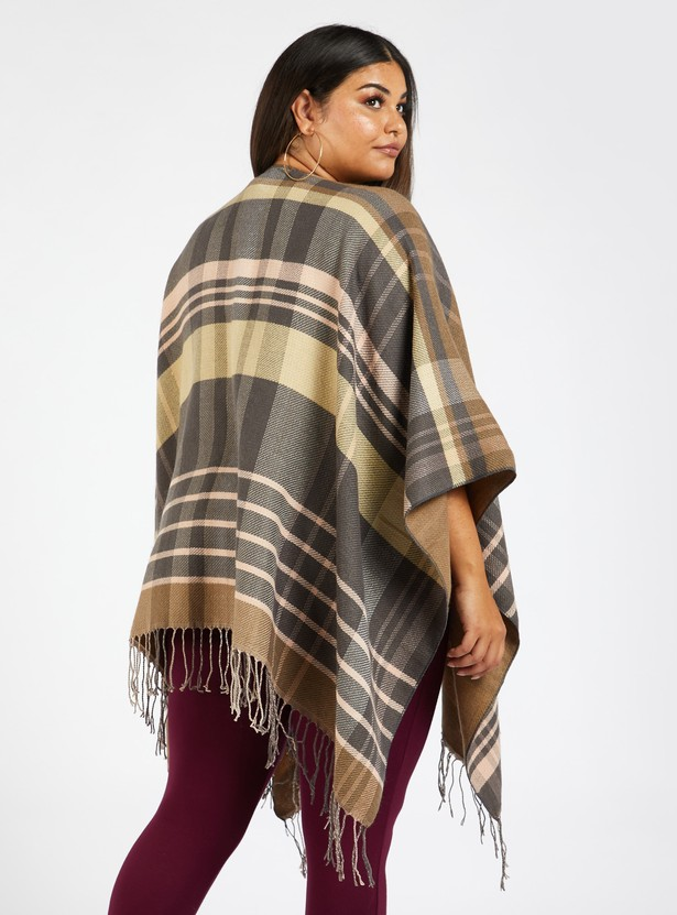 Checked Blanket Cape with 3/4 Sleeves and Fringes