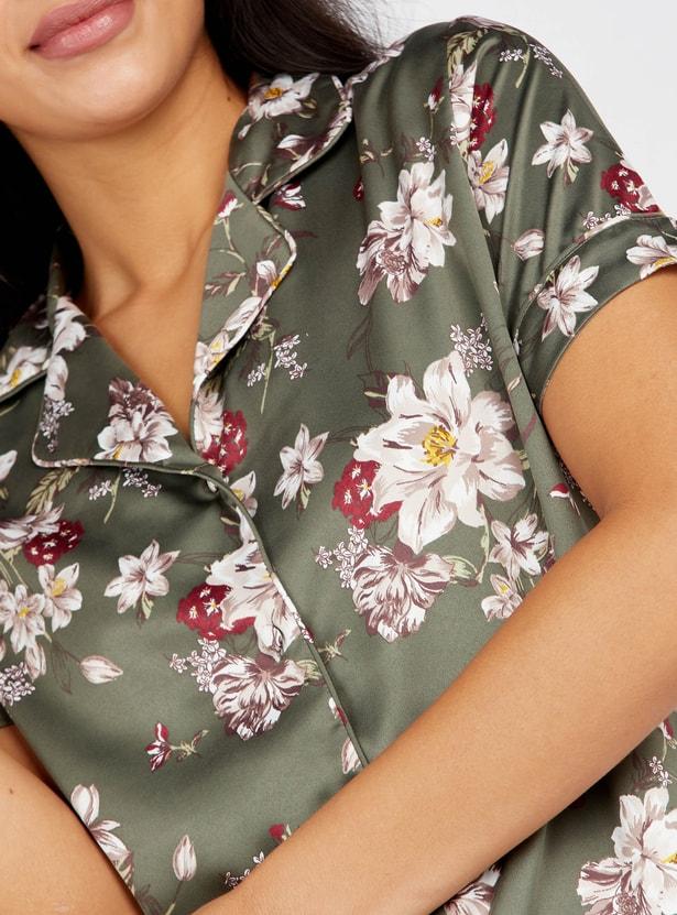 طقم بنطلون بيجاما وقميص بأكمام قصيرة وطبعات أزهار