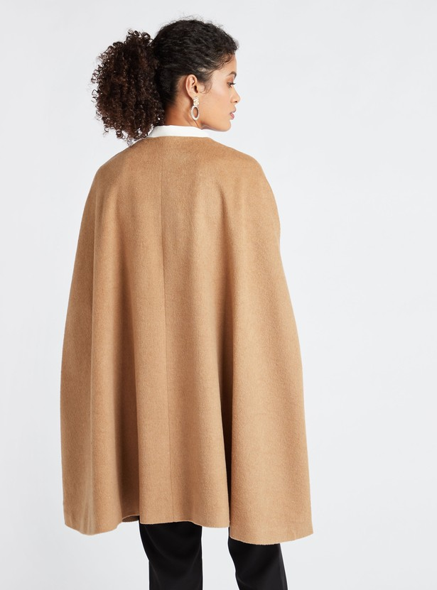 Textured Toggle Cape with Round Neck and Pocket Detail