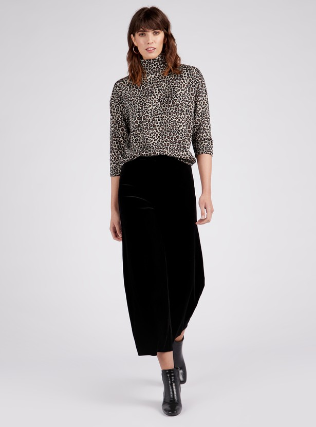 Solid Mid-Rise Velvet Ankle Length Palazzo Pants