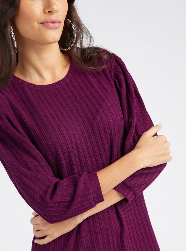 فستان مضلع واسع متوسط الطول بأكمام 3/4 وياقة مستديرة
