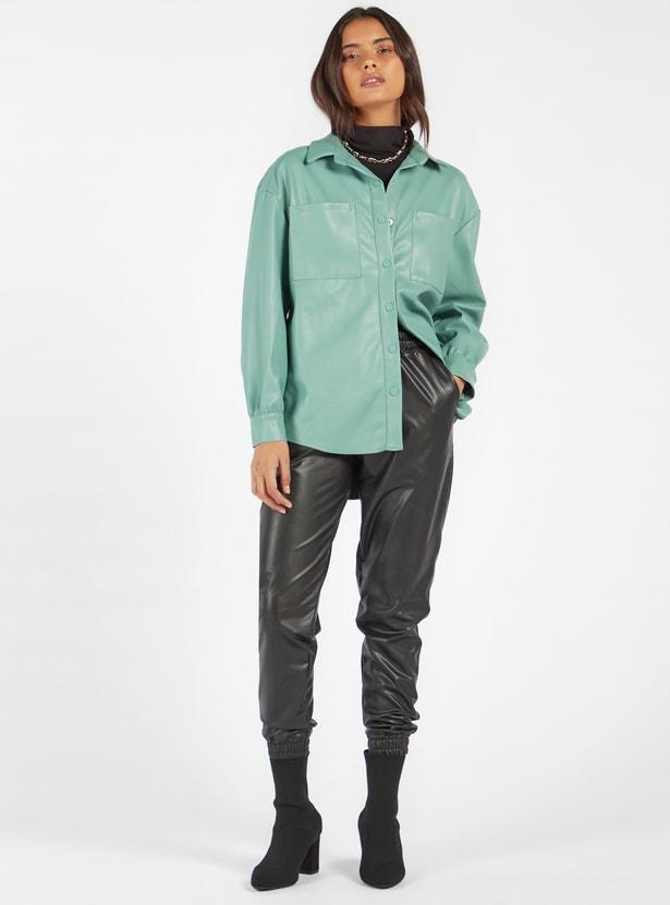شاكيت جلد إصطناعي سادة بياقة عادية ورقعة جيوب وأكمام طويلة