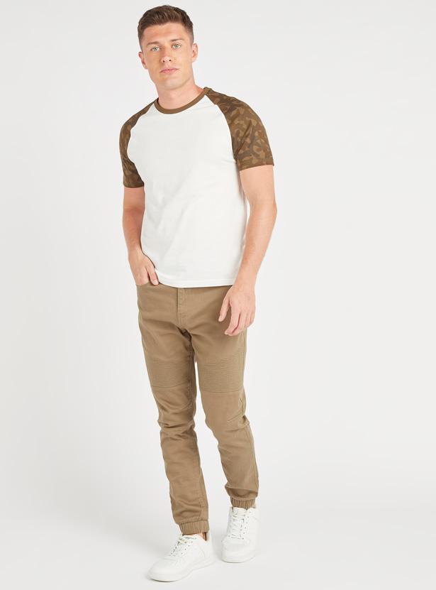 Round Neck T-shirt with Camo Print Raglan Sleeves