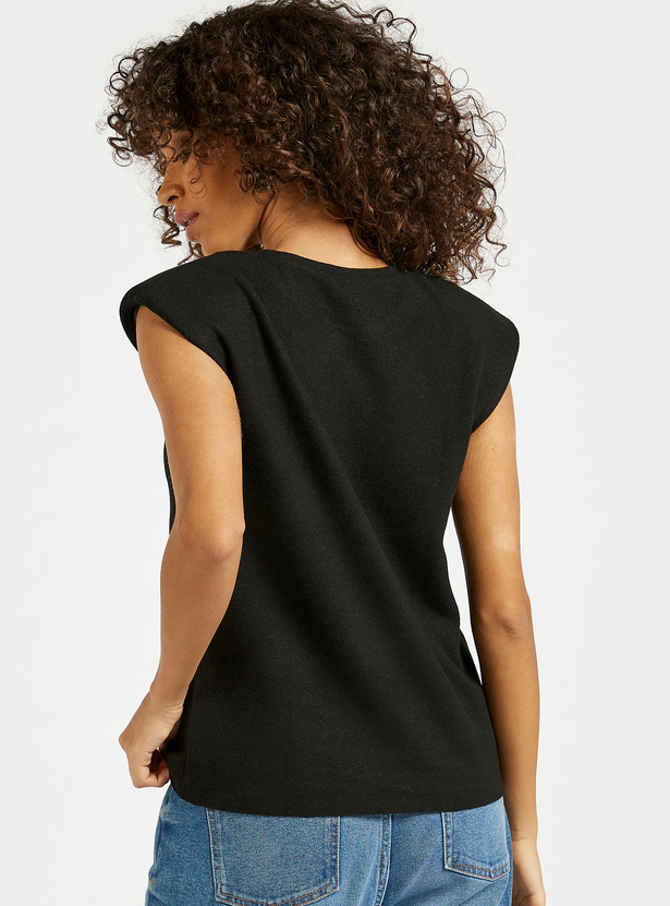 Solid T-shirt with Round Neck and Power Shoulder