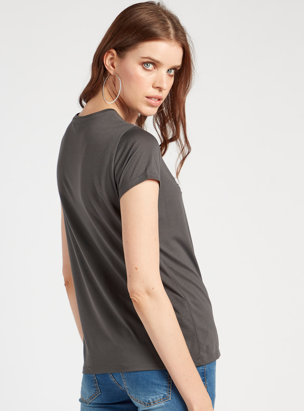 Embellished Detail T-shirt with Crew Neck and Short Sleeves