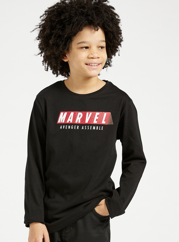 Avengers Print T-shirt with Round Neck and Long Sleeves