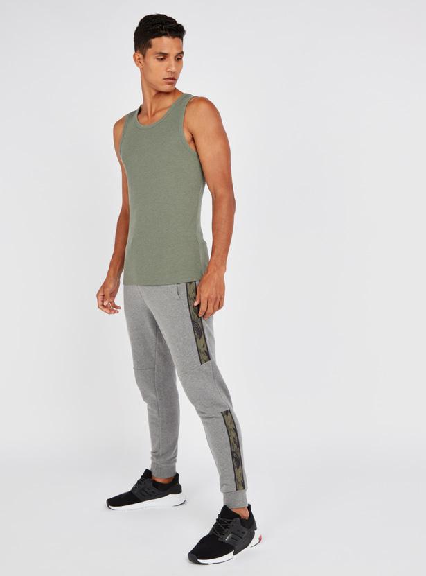 Textured Sleeveless Vest with Round Neck