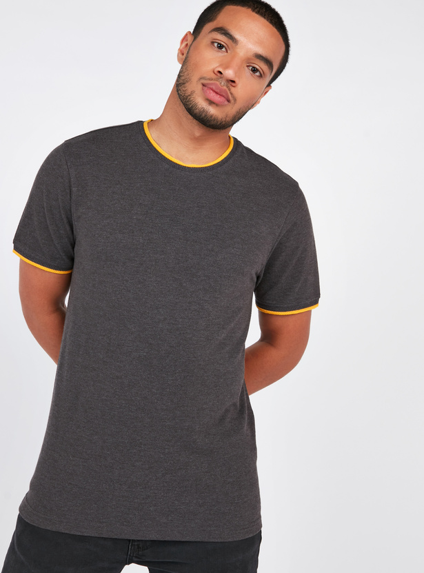 Slim Fit Textured T-shirt with Round Neck and Short Sleeves