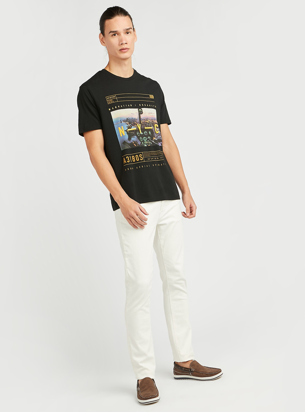 Full Length Solid Mid-Rise Jeans with Pocket Detail and Belt Loops
