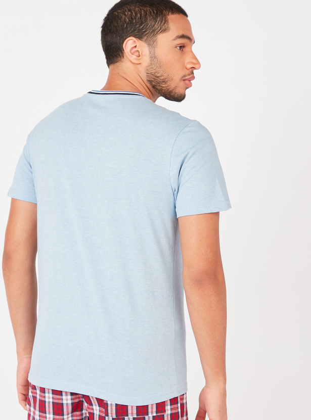 Solid T-shirt with Striped Crew Neck and Short Sleeves