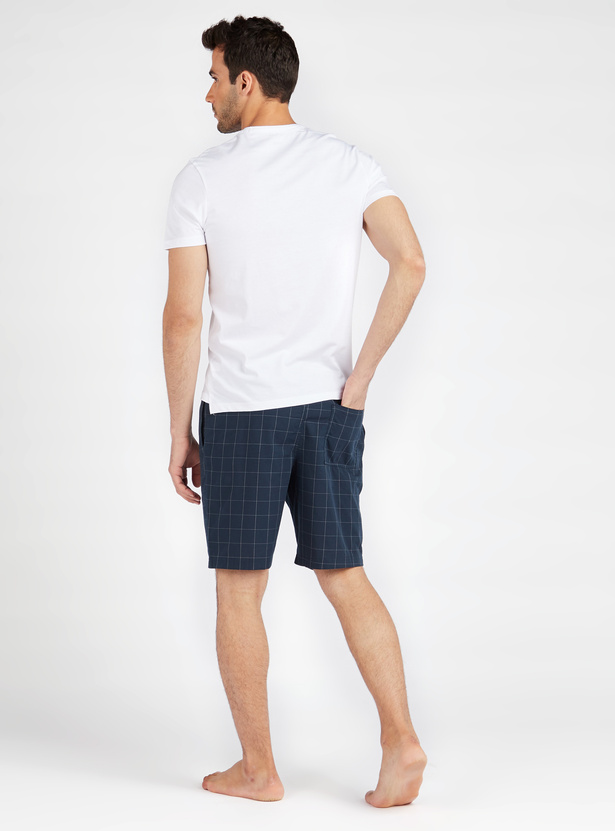 Printed Round Neck T-shirt and Checked Woven Shorts