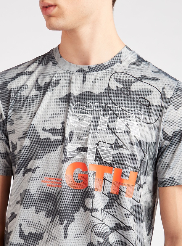 All-Over Camouflage Print T-shirt with Crew Neck and Short Sleeves