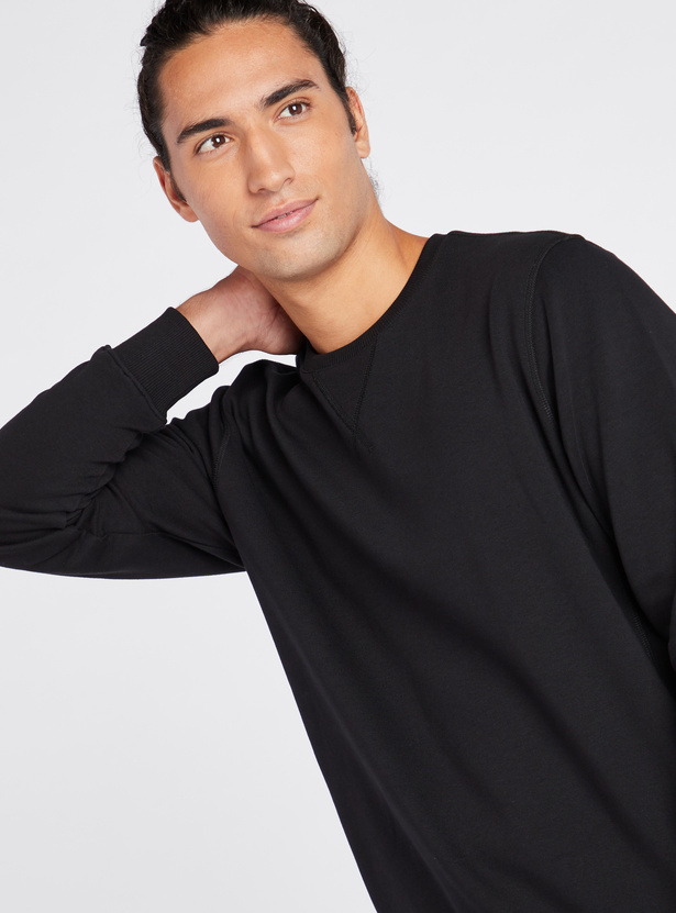 Solid Anti-Pilling Sweatshirt with Round Neck and Long Sleeves