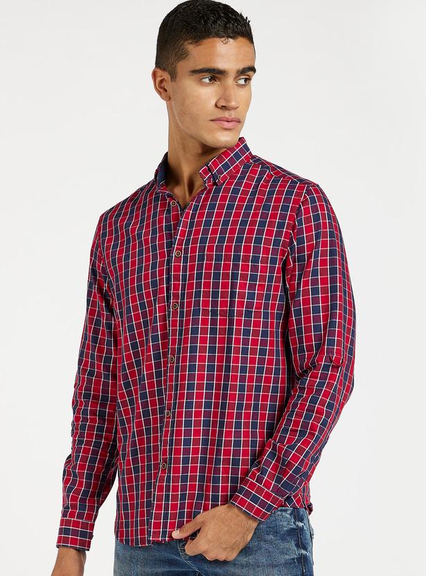قميص مربعات بأكمام طويلة وجيب
