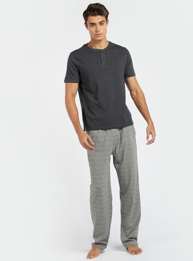 Solid Henley T-shirt with Short Sleeves and Button Closure