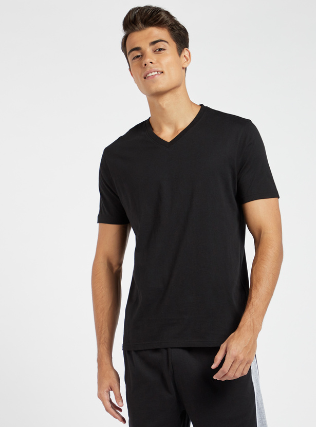 Solid V-neck T-shirt with Short Sleeves