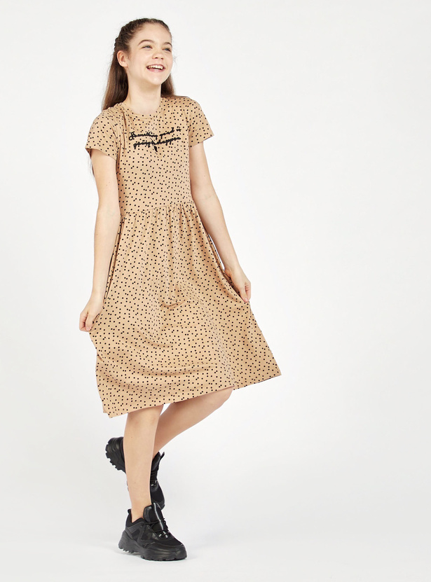 Embroidered Detail Dress with Round Neck and Short Sleeves