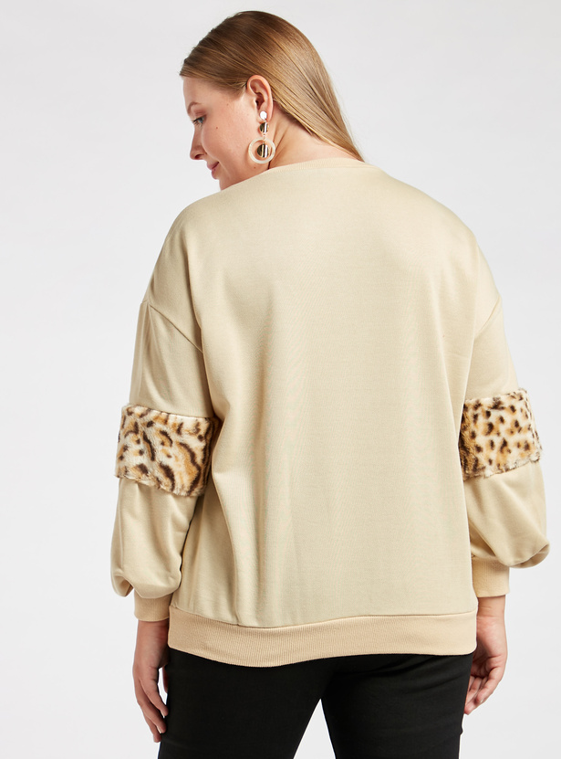 Textured Sweatshirt with Animal Printed Plish Detail 3/4 Sleeves
