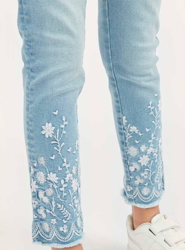 Embroidered Jeans with Pocket Detail and Frayed Grazers