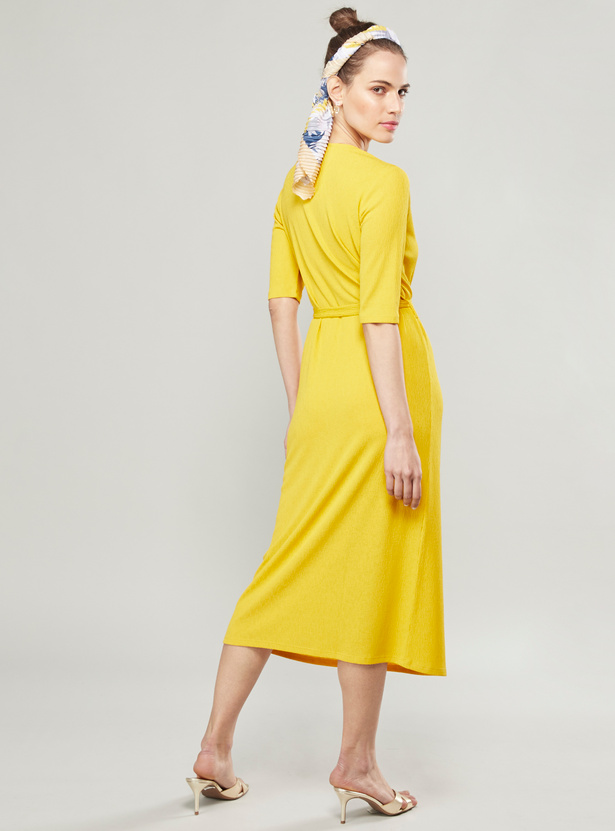 Wrinkled Midi A-line Dress with Short Sleeves and Waist Belt