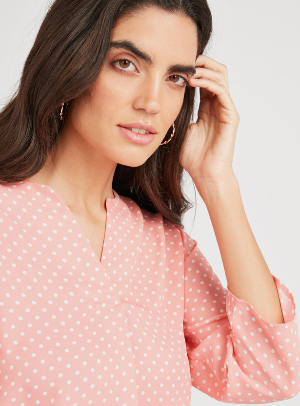 Polka Dot Print Top with V-neck and 3/4 Sleeves