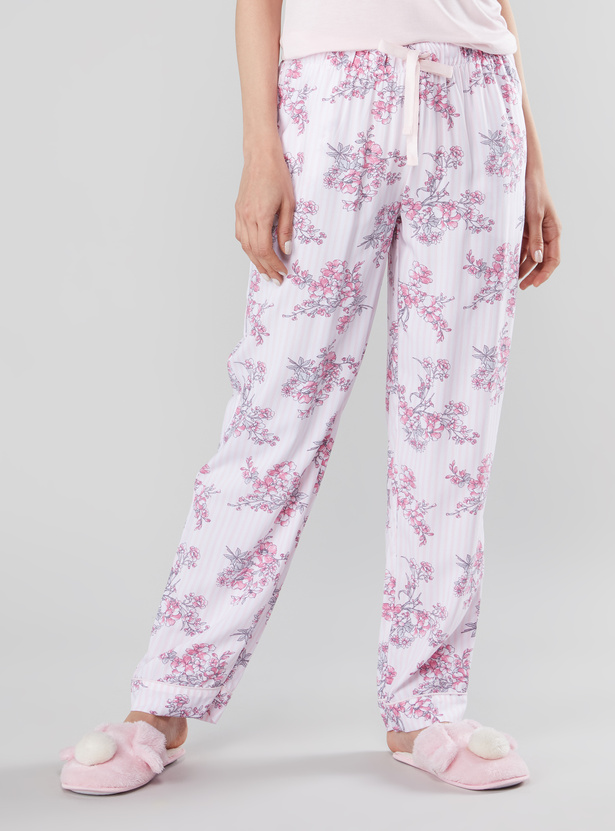 Lace Detail Sleeveless Top and Full Length Pyjama with Floral Prints