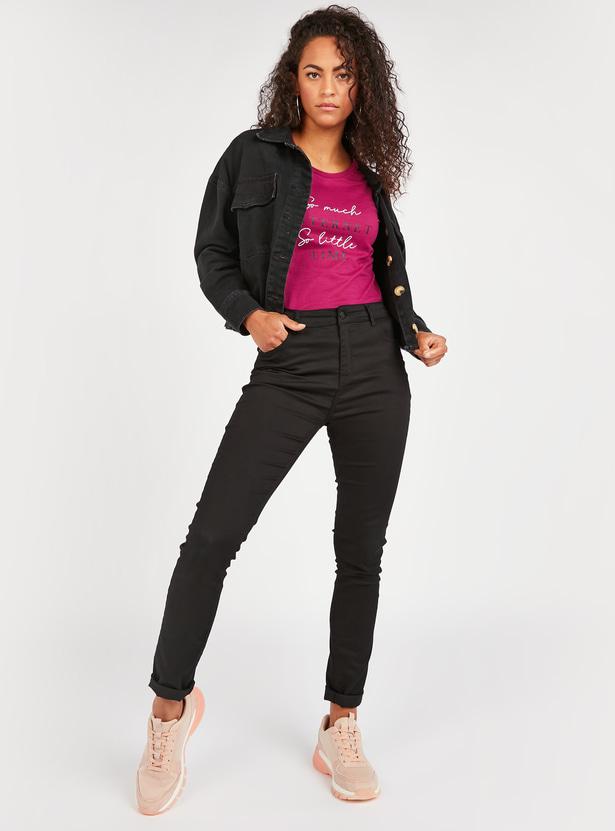 Slogan Print Round Neck T-shirt with Short Sleeves