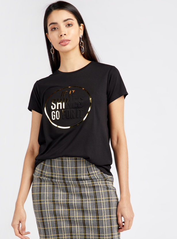 Embellished Detail T-shirt with Round Neck and Short Sleeves