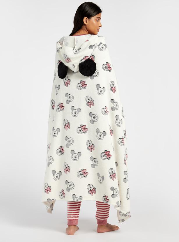 بلانكي بياقة بقبعة وطبعات وغطاء لليدين من كوزي كوليكشن