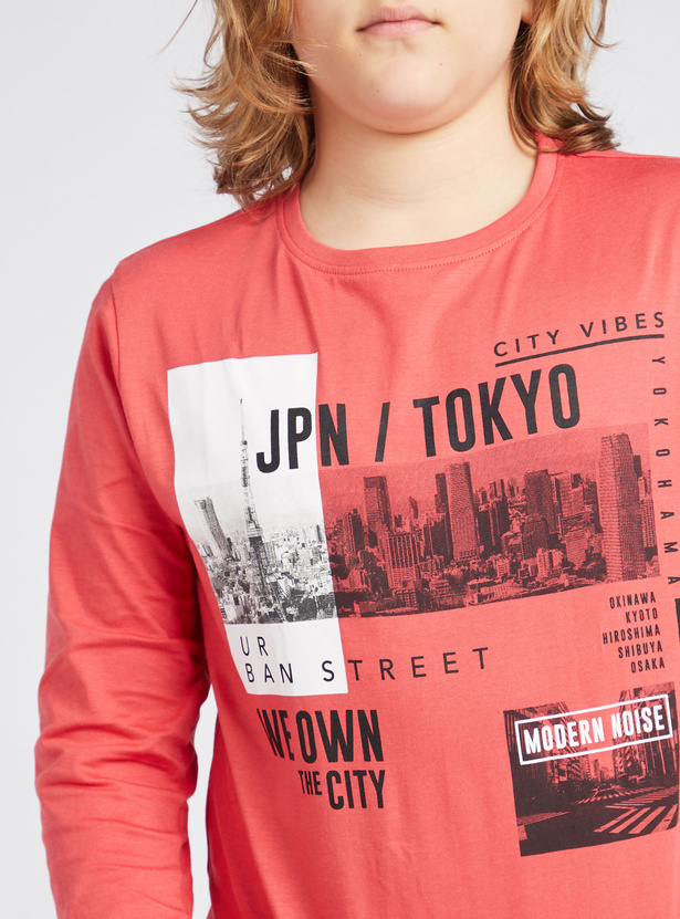 Typographic Print Round Neck T-shit with Long Sleeves