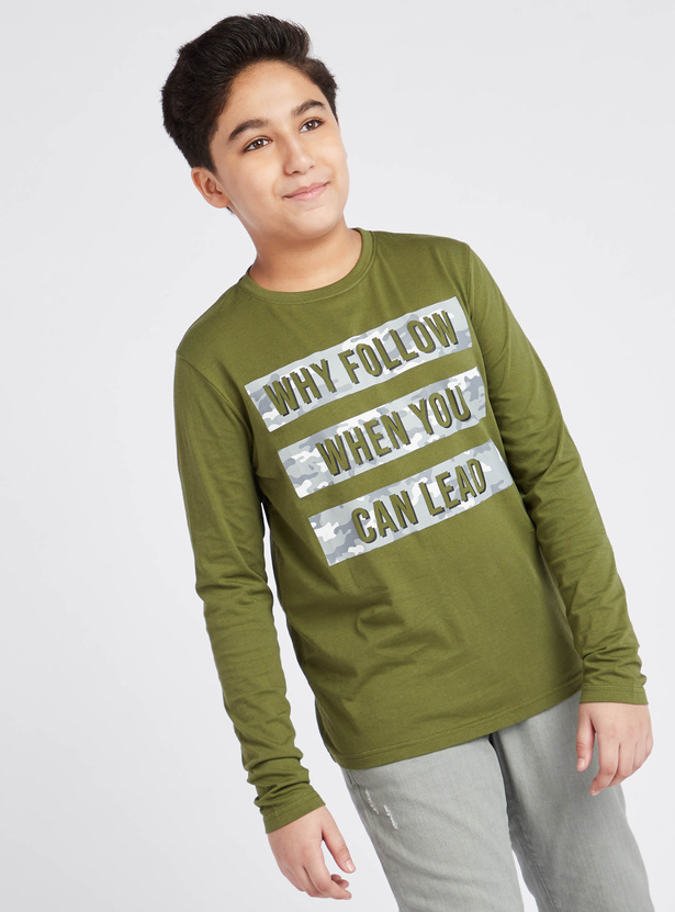 Graphic Print T-shirt with Long Sleeves